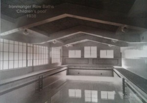 The children's pool: 50ft by 21ft © Islington Local History Centre
